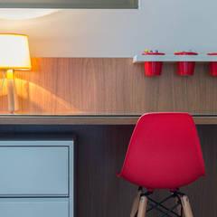 Camera ragazzi in stile  di LEZSY | Interior Design
