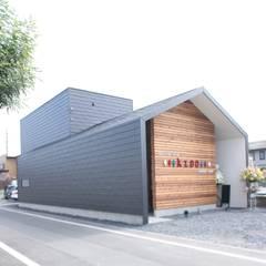 Casas de estilo  por 帆の風設計