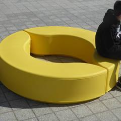 ARCO - Modules Arabesque - Design Moonako - Structure polyethylene 100% recyclable. 8 coloris: Locaux commerciaux & Magasins de style  par Theo Arno, créateur, designer, éditeur, photographe.
