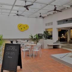 Bars & clubs de style  par Phương Đàm