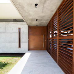 Doors by Martins Lucena Arquitetos