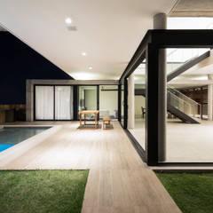 Casa IF: Terraços  por Martins Lucena Arquitetos