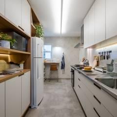 Cozinha Peixoto Gomide: Cozinhas  por Macro Arquitetos