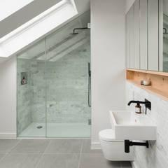 Designcubed Architects  - Refurbishment - Greenwich London:  Bathroom by Designcubed