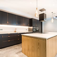 Designcubed Architects - New-Build Residence Beckenham, London:  Built-in kitchens by Designcubed