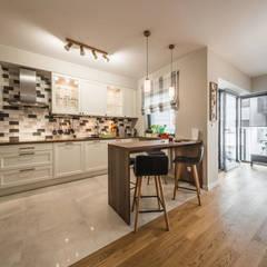 MIESZKANIE PORTOWE: styl , w kategorii Kuchnia zaprojektowany przez KODO projekty i realizacje wnętrz
