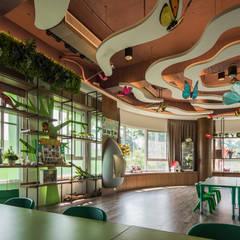 Escuelas de estilo  por 雅群空間設計