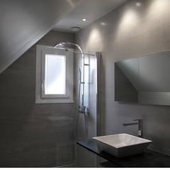 Salle de bain: Salle de bains de style  par sacbé