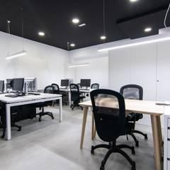 Nuevas oficinas Reformadísimo: Estudios y despachos de estilo  de Reformadisimo
