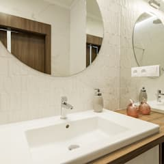 ELEGANCKA PRAGA: styl , w kategorii Łazienka zaprojektowany przez KODO projekty i realizacje wnętrz