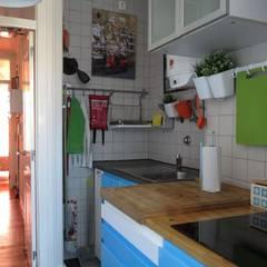 Apartamento T3 Duplex Penha França: Cozinhas  por EU LISBOA