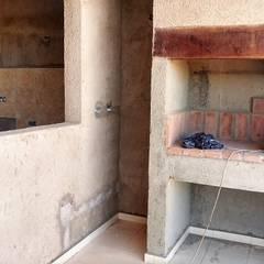 V162 Moderna casa a Estrenar: Cocinas de estilo  por Cortinez Lourenço Consultora Inmobiliaria,Rústico