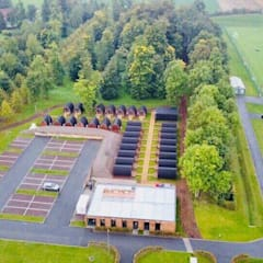 Ooty | Lille Olympique Sporting Club Métropole - Training center: Casas pré-fabricadas  por Black Oak Company group|( Ooty. )( Timberman )( Growing )