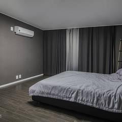 동탄인테리어 동탄역 시범 한화꿈에그린 아파트 신혼집 인테리어 by.n디자인인테리어: N디자인 인테리어의  방