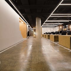 Office buildings by Statement_Arquitectura