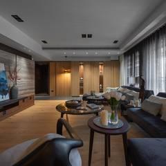 Living room by 宸域空間設計有限公司