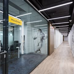 Offices & stores by VIART