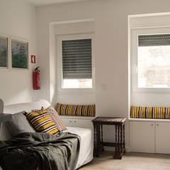 Apartamento T1 Duplex : Espaços de restauração  por JHST, LDA