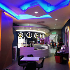 La Cremeria Cafe:  Commercial Spaces by Nature Concept Contracts Sdn. Bhd.
