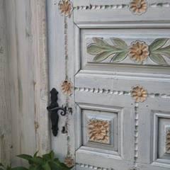 Puertas de madera de estilo  por Bej Mimarlık