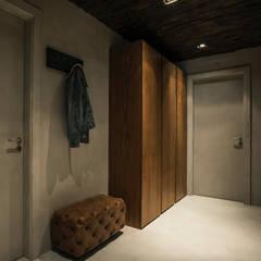 oeiras | iD project Corredores, halls e escadas industriais por Santiago | Interior Design Studio Industrial