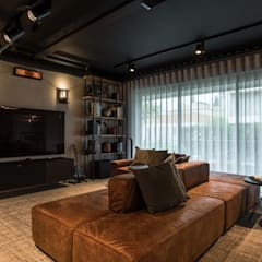 Media room by Santiago | Interior Design Studio
