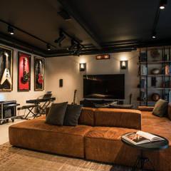 oeiras   iD project: Salas de estar  por Santiago   Interior Design Studio