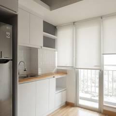 minimalistic Kitchen by FIANO INTERIOR
