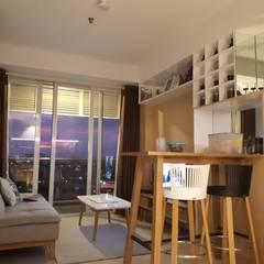 Minimalist Scandinavian Apartment : Ruang Keluarga oleh DIArchitects,