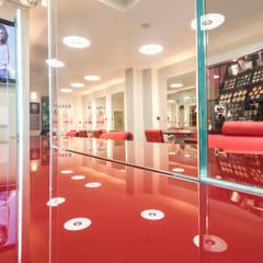 Friseur Salon Morante in Essen:  Ladenflächen von Moreno Licht mit Effekt