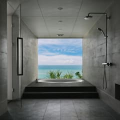 Villa Siesta: Yoshiaki Ida Photographyが手掛けた浴室です。,モダン