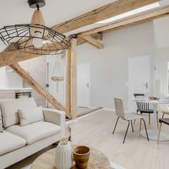Combles aménagés, séjour: Salon de style  par Lisa Bronsztejn, Architecture d'intérieur