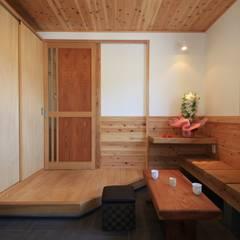 Corridor and hallway by 田村建築設計工房