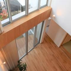 吹抜け: あかがわ建築設計室が手掛けた窓です。