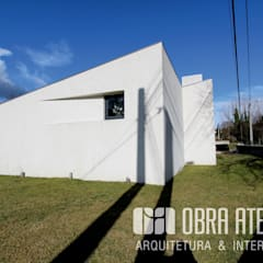 OBRA ATELIER - Arquitetura & Interiores의  빌라