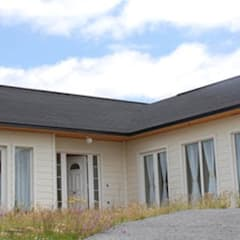 Casas prefabricadas de diseño y constricción exclusiva: Casas prefabricadas de estilo  por casasfrau