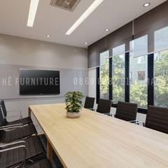 Nội thất phòng họp lớn khá hiện đại và sang trọng:  Phòng học/Văn phòng by Công ty TNHH Nội Thất Mạnh Hệ