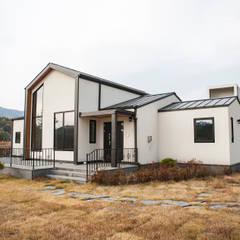 Buitenhuis door 8sky design