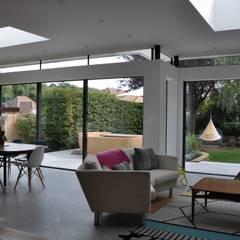 Primrose Cottage:  Windows  by IQ Glass UK