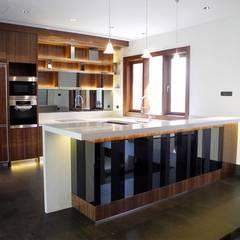 Kitchen units by ARF interior