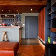 industrial Living room by 直方設計有限公司