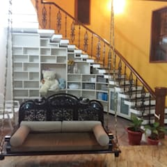ANUGRAHA - RESIDENCE FOR MR.MUKUND:  Stairs by One Brick At A Time