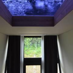 """이동식주택 """"호텔 마름모"""": 마룸의  창문"""