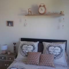 Décoration et Aménagement d'une chambre: Petites chambres de style  par CS Déco Design