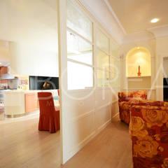 ((VENDITA)) Opicina, Trieste: villa di pregio con zona spa: Porte in stile  di Borea immobiliare