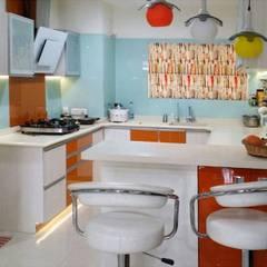 Cocinas de estilo  por Honeybee Interior Designers , Asiático