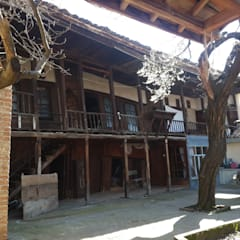Casa di legno in stile  di Restorizm Mimarlık Restorasyon Proje Taah. Ltd. Şti