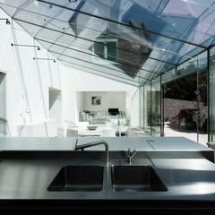 Glass House:  Windows  by AR Design Studio
