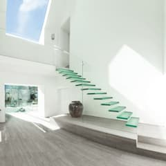 Glass House:  Stairs by AR Design Studio