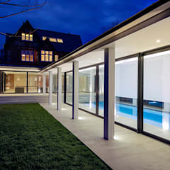 Pilot's House:  Pool by AR Design Studio